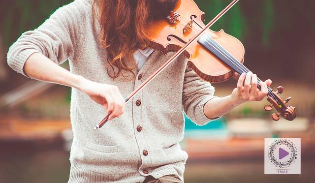 Noia tocant el violí Inscripcions Obertes als cursos
